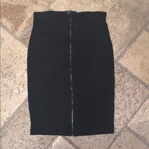 Dresses & Skirts - Zip front pencil skirt